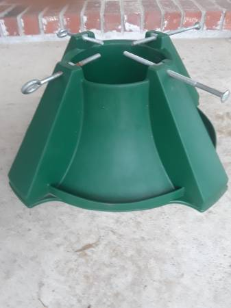 Photo Live tree stand for large tree wbolts (Morrilton)