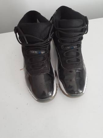 Photo MENS JORDAN quotSPACE JAMquot 11 size 10 - $60 (Jonesboro)