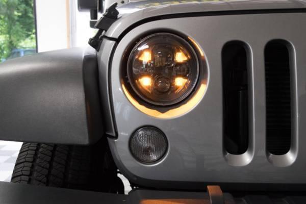 Photo Morimoto sealed 7 2.0 7quot headlights seven inch - $450 (Little Rock)
