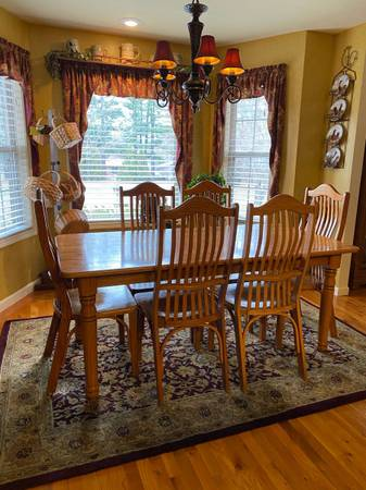 Photo Oak Dining Table and 7 Chairs - $375 (Marshall, Ar)