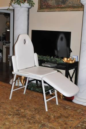Photo Safeplus Folding Massage Table Massage Bed Professional Spa Bed - $90 (Jonesboro)