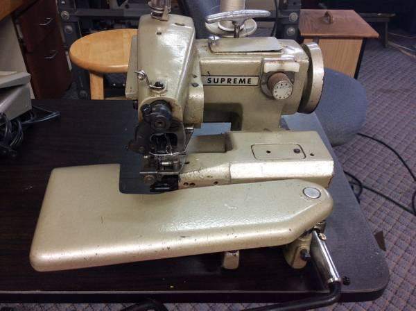 Photo Sewing machines - $100 (Batesville)