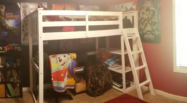 Twin loft bed w twin mattress and ladder - $75 (Jonesboro)