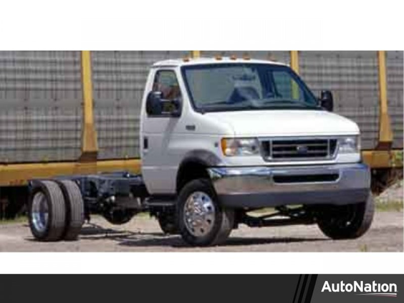 Photo Used 2004 Ford E-350 and Econoline 350 Super Duty for sale