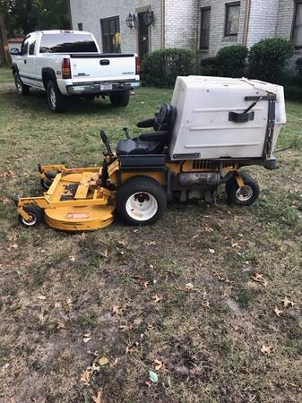 Photo WALKER ZERO TURN MOWER - $3,950