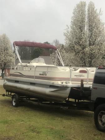 Photo -- 2000 Bennington Pontoon boat -- - $7950 (Paragould)