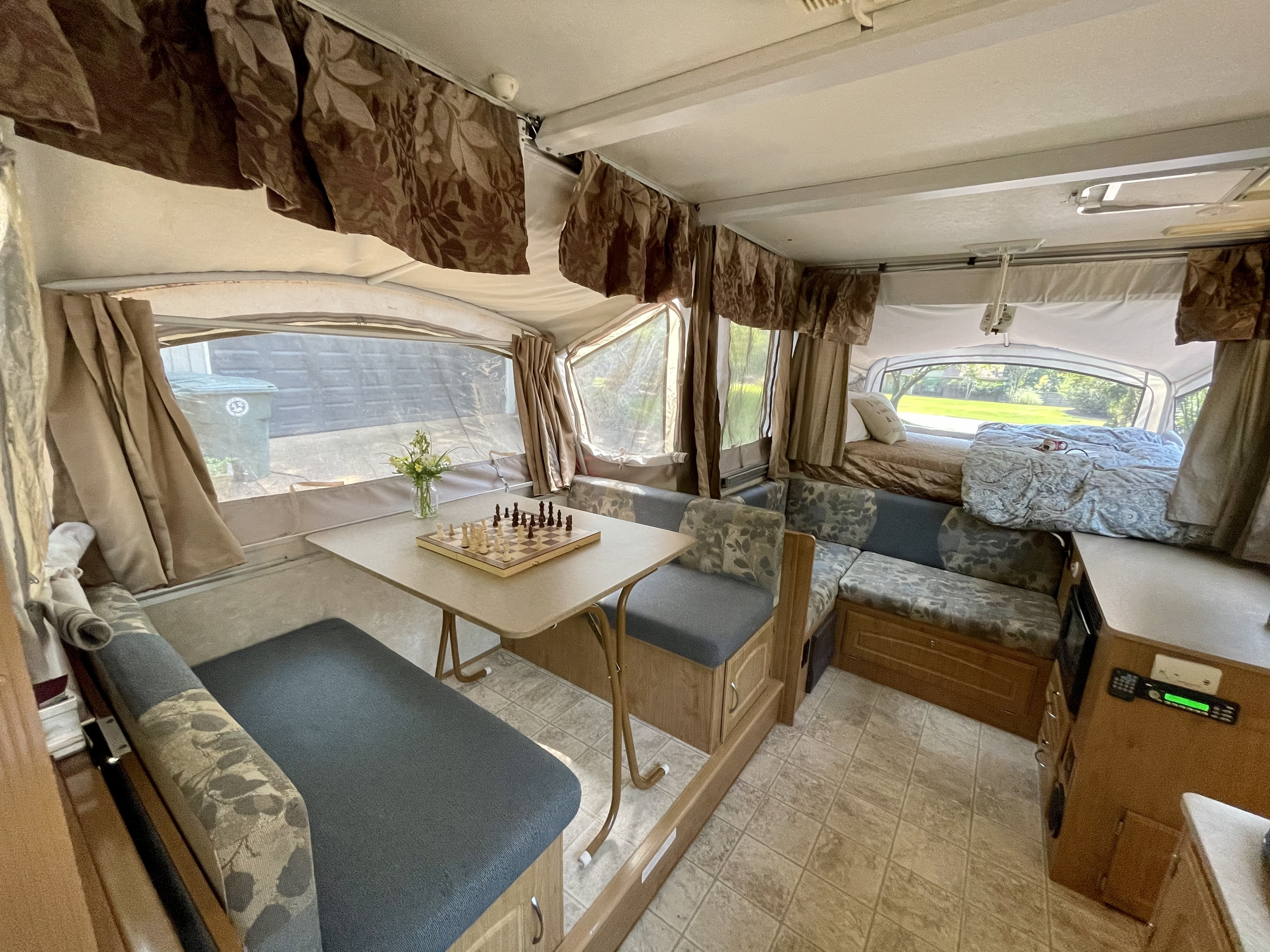 Photo Used 2007 Fleetwood Pop Up Cer RV  $10000
