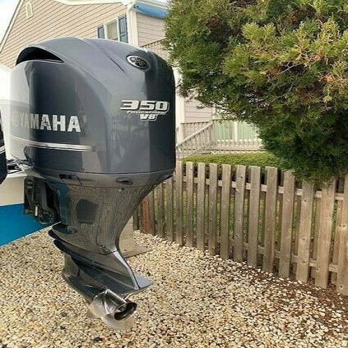 Photo Used Yamaha 350 HP 4-Stroke Outboard Motor Engine