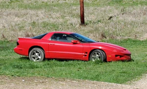 Photo 1998 Pontiac Firebird - $2,500 (Pineville Mo)