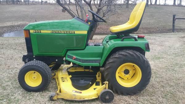 Photo 2000 John Deere 455 Diesel 22 HP MowerTractor - $4500 (Neosho)