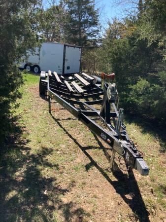 Photo 2008 Prestige 28.4 foot boat trailer disk brakes only 600 miles on it - $3,500 (Ozark)