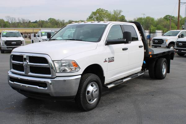 Photo 2017 RAM 3500 RAM HD SLT CREW CAB 4X4 FLATBED - $44995 (bryant)