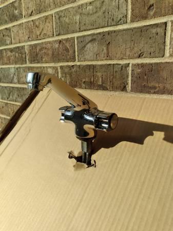 Photo American Standard Lavatory Faucet - $150 (Springdale)