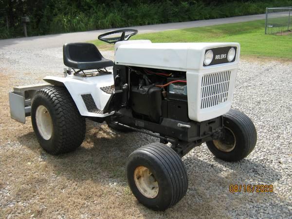 Photo Bolens HT20 Garden Tractor with Box Blade - $2,500 (Cushing)