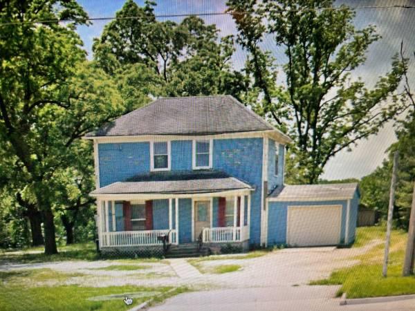 Photo For Rent 3 Bedroom1Bath 1 car garage (3924 E. 7th St., Joplin MO)