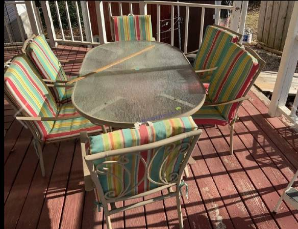 Photo Glass top patio table with 6 chairs and cushions - $400 (Grove, Ok)