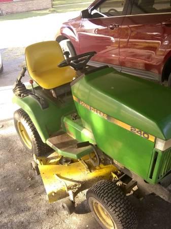 Photo John deer lawnmower - $700 (Jasper mo)