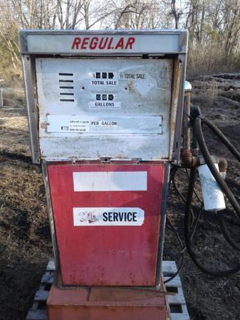 Photo Old gas pump - $175 (Nevada)