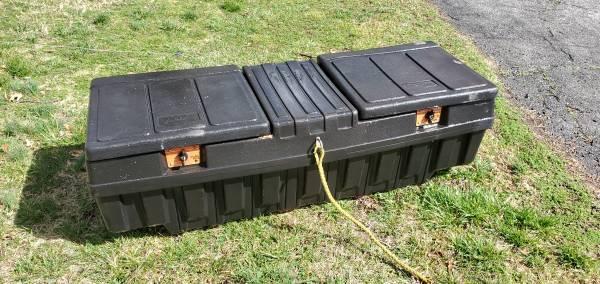 Photo Plastic Truck Tool Box - $30 (Joplin)