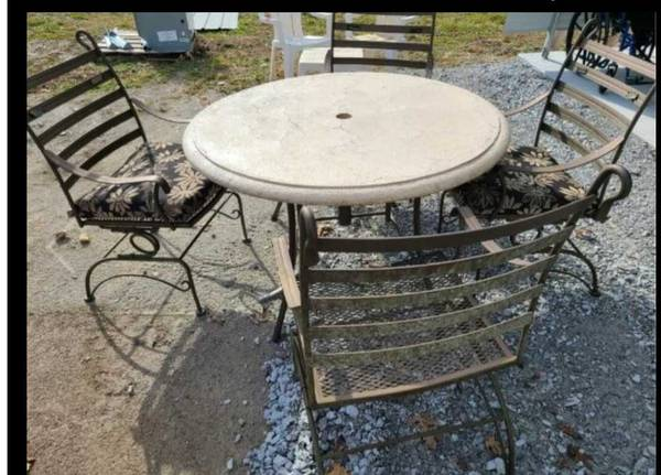 Photo Stone top patio table with 4 chairs - $400 (Grove, ok)