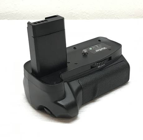 Photo Vivitar Multi-Power Battery Grip for Canon EOS Rebel T3, T5  T6 SLR C - $10 (La Harpe)