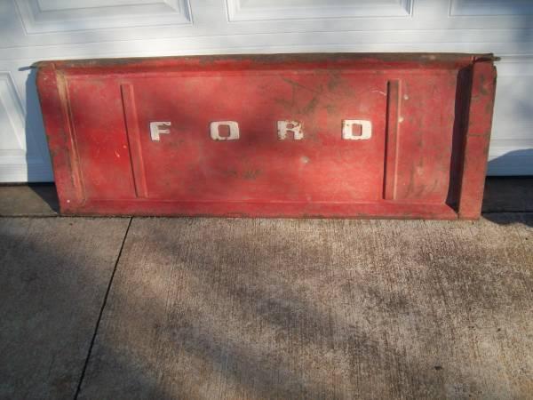 Photo ford tailgate - $300 (joplin)