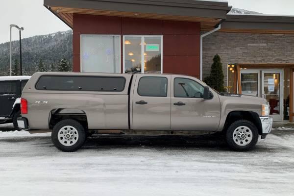 Photo 2012 Chevrolet Silverado 3500 Crew Cab, Low Miles, 1 Ton - $29,995 (Juneau)