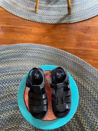 Photo Doc Martin Sandals - $20 (Out the Road)