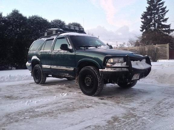 Photo Green Chevy blazer - $500 (Juneau)