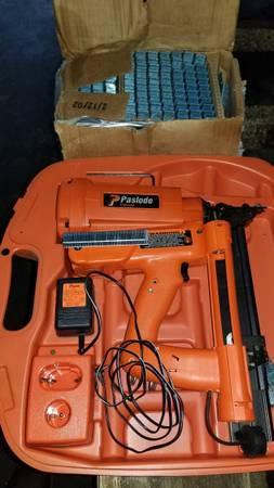 Photo Paslode cordless roofing stapler - $100 (Juneau)