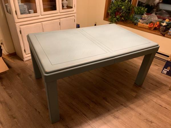 Photo Solid Oak Dining Table - $400 (Auke Bay)