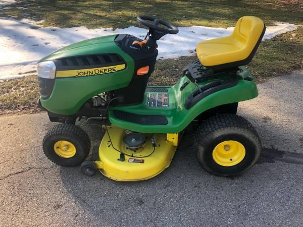 Photo 2014 John Deere D105 Lawn Tractor - $750 (Jackson)