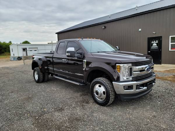 Photo 2019 FORD F350 LARIAT 4X4 ECLB DUALLY 6.7 POWERSTROKE LOADED SOUTHERN - $53,900 (BLISSFIELD MI)