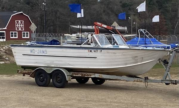 Photo 2239 1974 Starcraft Aluminum Open Bow Boat w Trailer  85HP Johnson - $1,800 (Decatur)