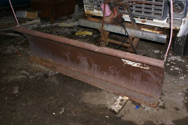 Photo 739 Western Snow Plow - $425 (Jackson)