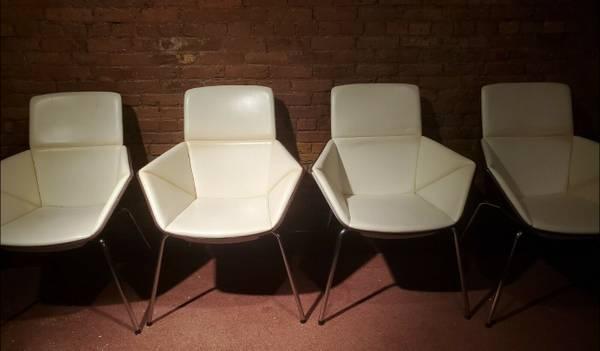 Photo Allermuir Phoulds PH3 Custom Built Chair Palace of Auburn Hills Detroi - $199 (Jackson)