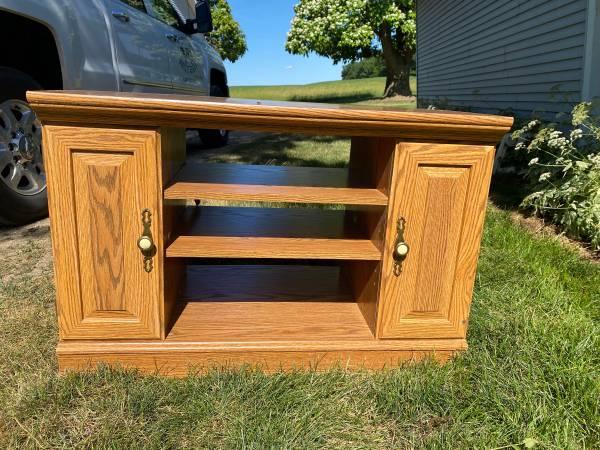 Photo Corner TV Stand - $15 (Clarklake)