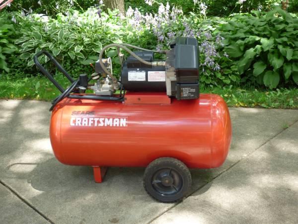 Photo Craftsman 4 HP  33 Gallon  Air Compressor (HortonJackson, MI)