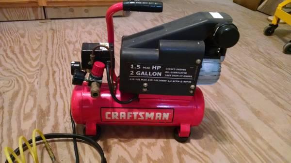 Photo Craftsman portable air-compressor - $60 (Pleasant Lake)