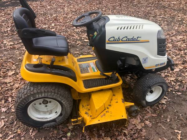 Photo Cub Cadet GT1554 Garden Tractor WITH 54quot DECK - $750 (Jackson, MI)