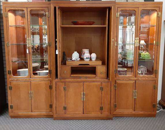 Photo Display Cabinet Set and TV Cabinet Priced Separate - $600 (Jackson,MI)