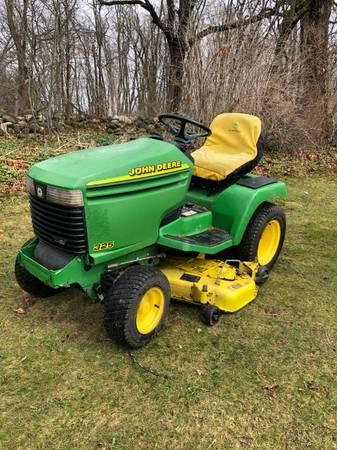 Photo John Deere 325 Garden Tractor  Lawn Tractor  Riding Lawn Mower, 48quot - $1,400 (Jackson, MI)