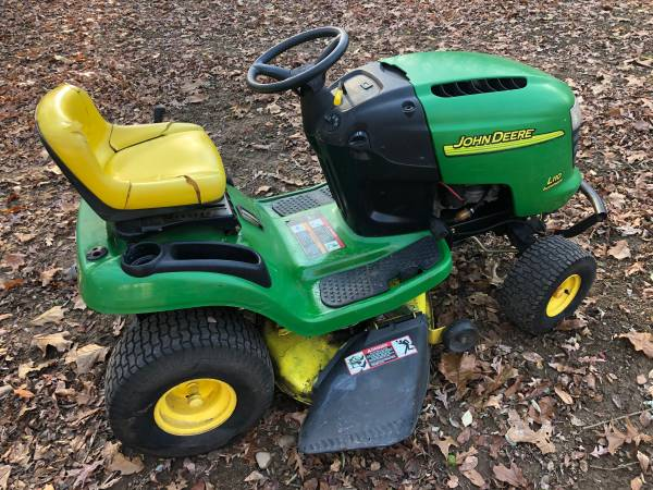 Photo John Deere L110 Lawn Tractor  Riding Lawn Mower - $550 (Jackson)
