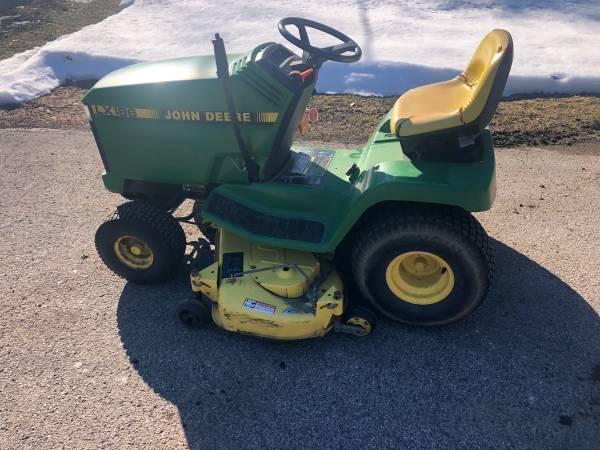 Photo John Deere LX186 Lawn Tractor  Riding Lawn Mower  48quot Deck - $650 (Jackson, MI)