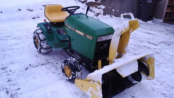 Photo John Deere with Snowblower - $950 (Norvell)