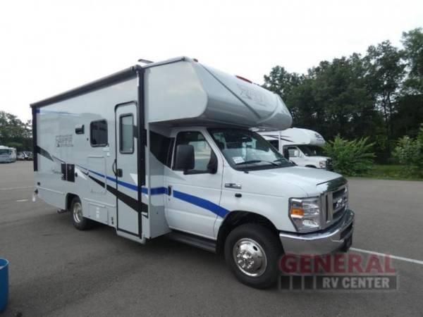 Photo Motor Home Class C 2022 Coachmen RV Cross Trail XL 22XG - $100,646