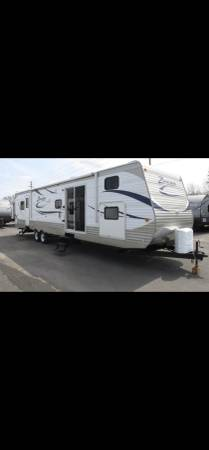 Photo Open house - 39 ft crossroads zinger cer travel trailer - $16,900 (Curtice)