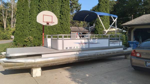 Photo Pontoon Boat for sale - $4,850 (Lakeland)