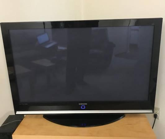 Photo Samsung 50-Inch Plasma HDTV (HP-S5053) - $150 (Ann Arbor)
