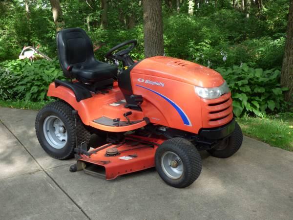 Photo Simplicity Prestige Garden Tractor  50quot Deck (HortonJackson, MI)